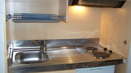 Location studio etudiant sur dinard location ideale pour etudiant du lycee h - Petite cuisine equipee pour studio ...