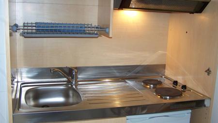 Location studio etudiant sur dinard location ideale pour - Petite cuisine equipee studio ...