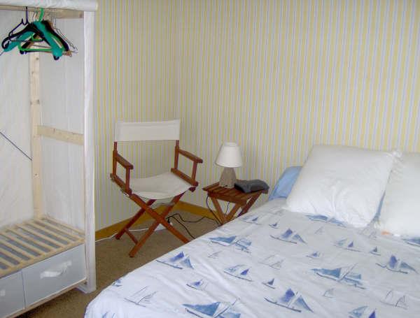 t2 dinard proche de la plage de l 39 ecluse. Black Bedroom Furniture Sets. Home Design Ideas
